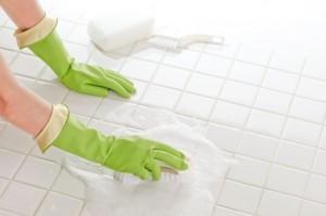 お風呂の床掃除で綺麗にしたい!しつこい汚れの撃退法と予防法とは?