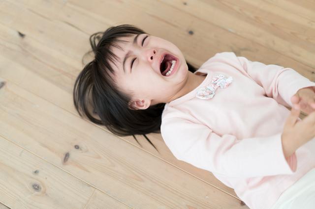 寝起き 耳 が 痛い 寝起きに耳が痛いです。というか、耳が痛くて起きます。原因は何が思...